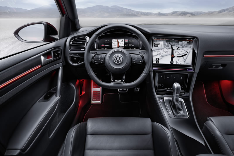 Wolkswagen-Golf-R-Touch-Interior