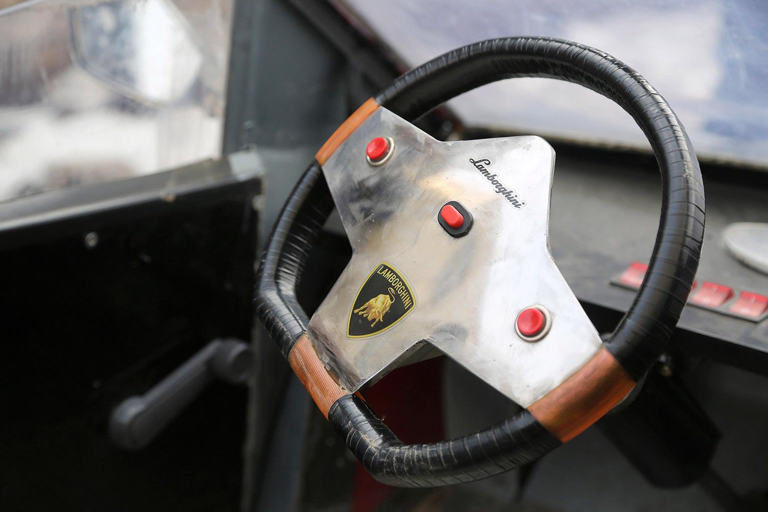 Réplica Lamborghini 4